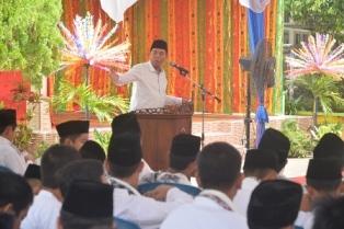 Walikota Pekanbaru DR.H.Firdaus ST.MT Memberikan Sambutan Pada Acara Khatam Al-Qur'an dan Peresmian Gedung Baru SMPN 4.